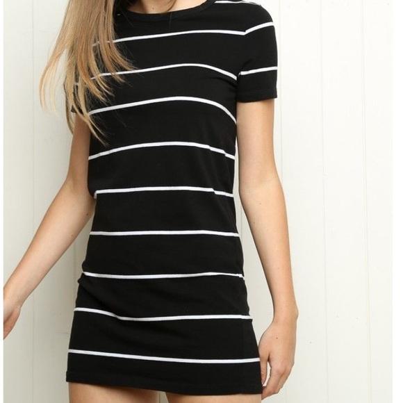 21210113eecf Brandy Melville Dresses & Skirts - Brandy Melville oversized striped T-shirt  dress.